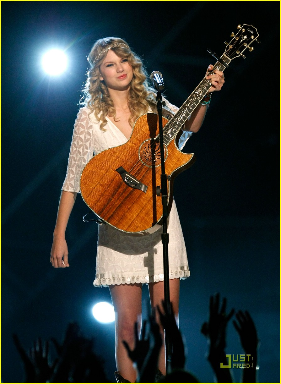Full Sized Photo Of Taylor Swift George Strait 06 Taylor Swift Honors George Strait Just Jared Jr