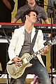 jonas brothers central park party 18