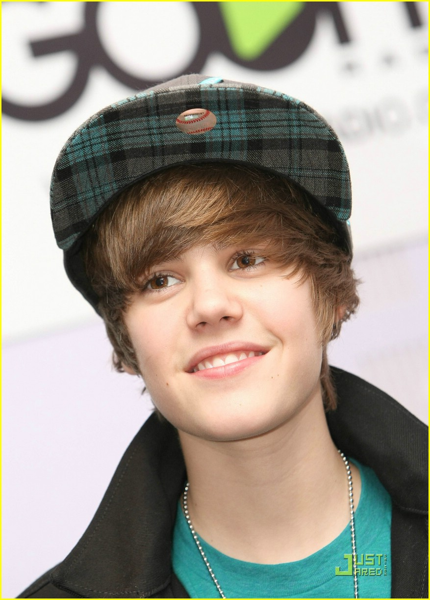justin bieber goes goom photo 350639 photo gallery just jared jr
