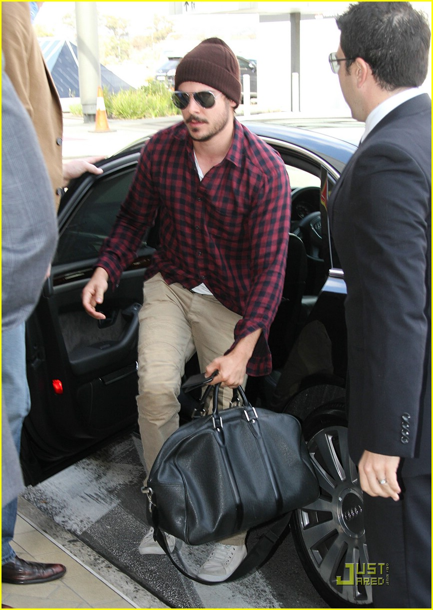 Zac Efron Wants Guest Spot on Glee? | Photo 386444 - Photo
