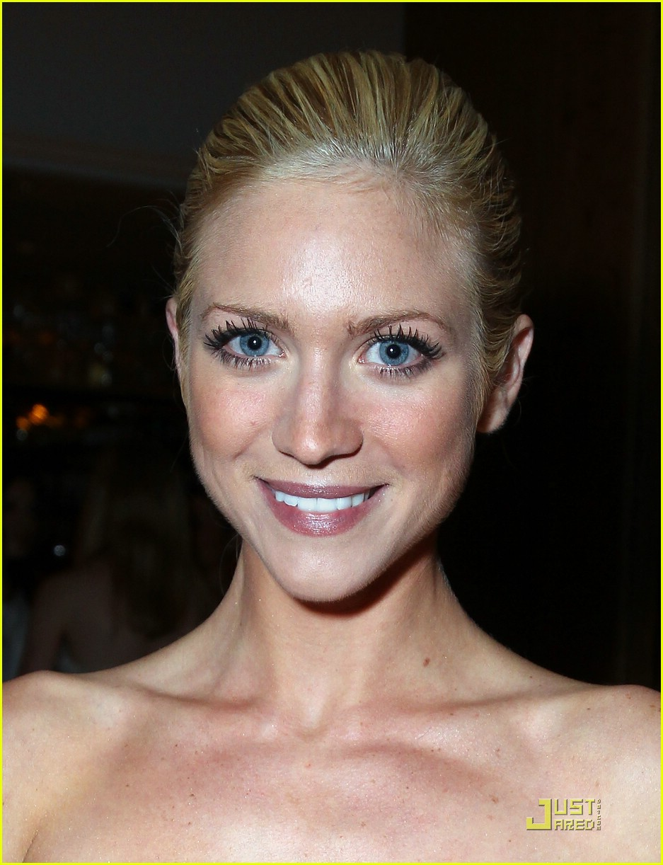 brittany snow golden globe party 03