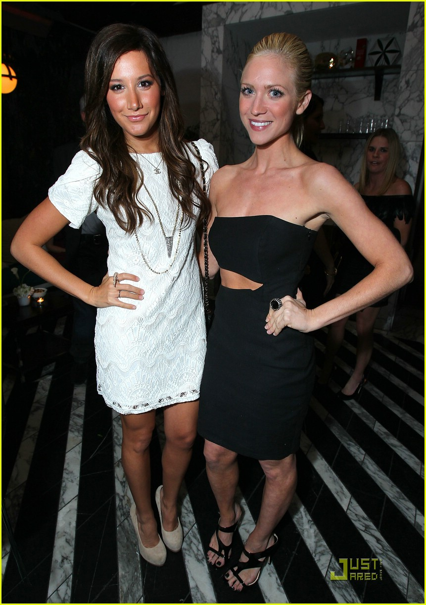 brittany snow golden globe party 12