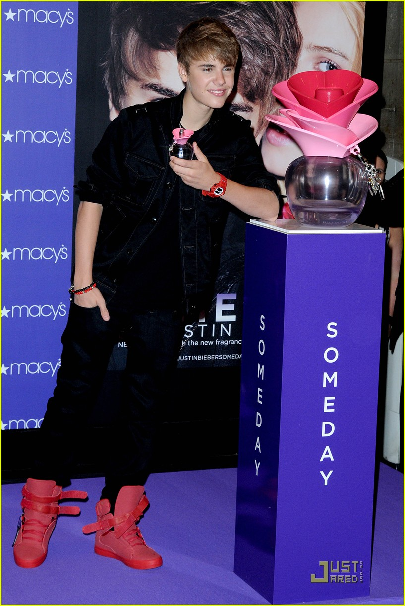 Justin Bieber Launches \'Someday\' at Macy\'s | Photo 423339 - Photo ...