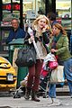 dakota fanning cellphone 03