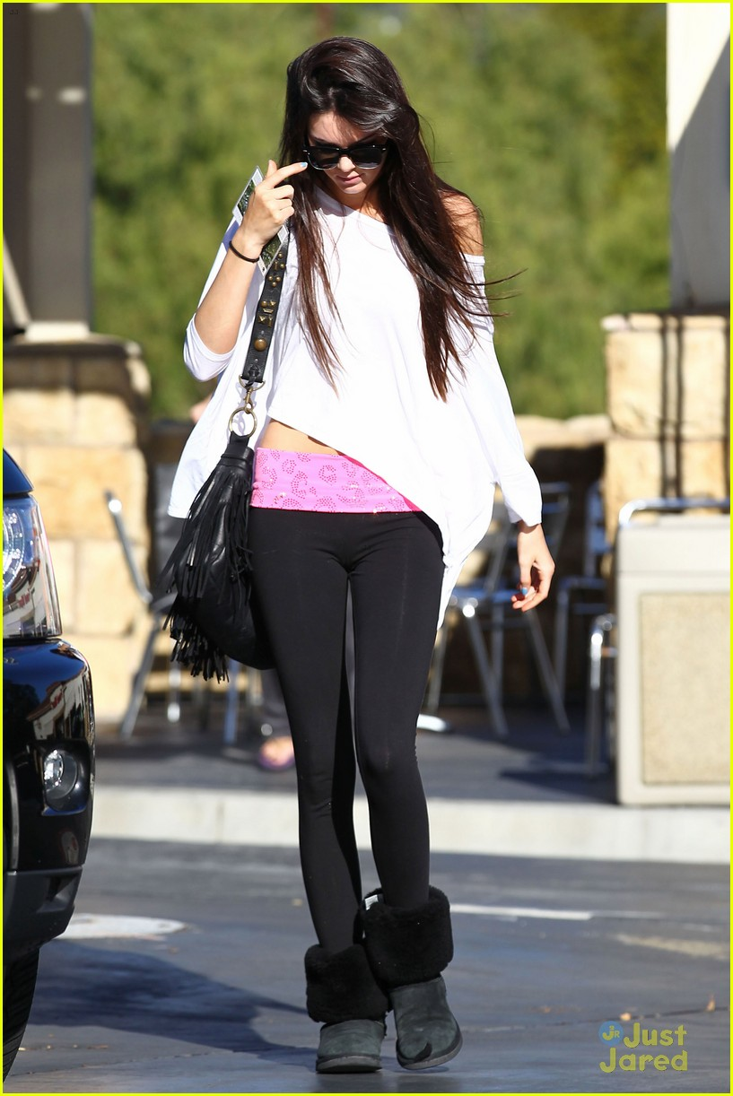 kendall kylie jenner christmas shopping 22
