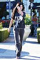 kendall kylie jenner christmas shopping 01