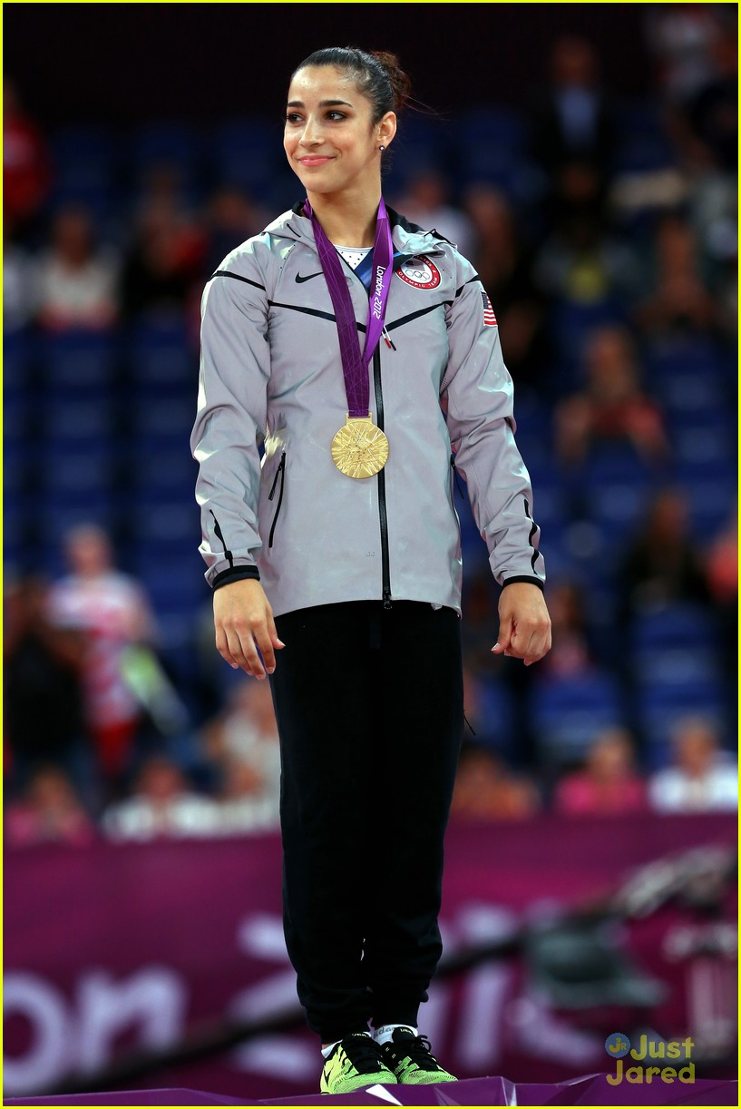 aly raisman gold floor olympics 15