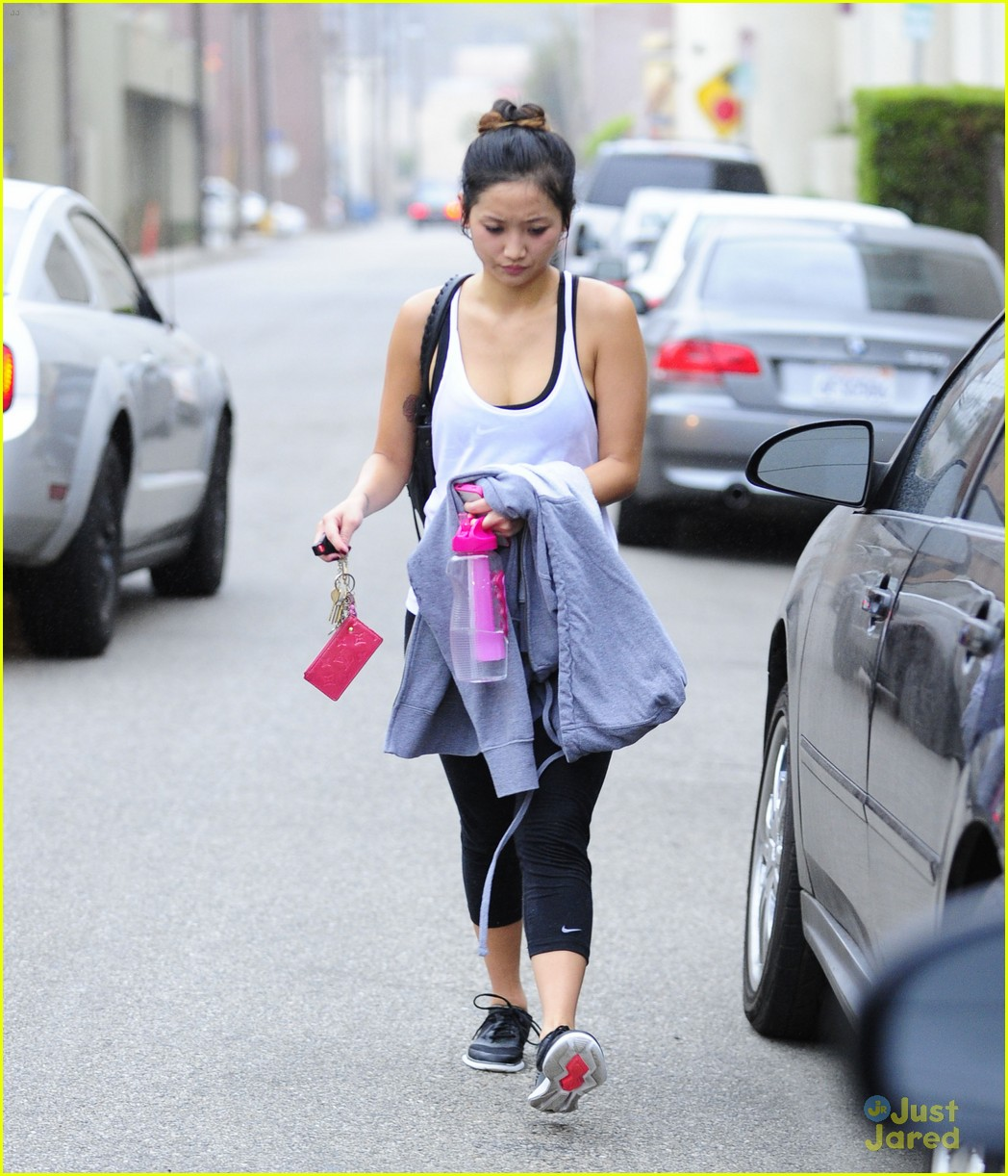 brenda song gym thursday 09