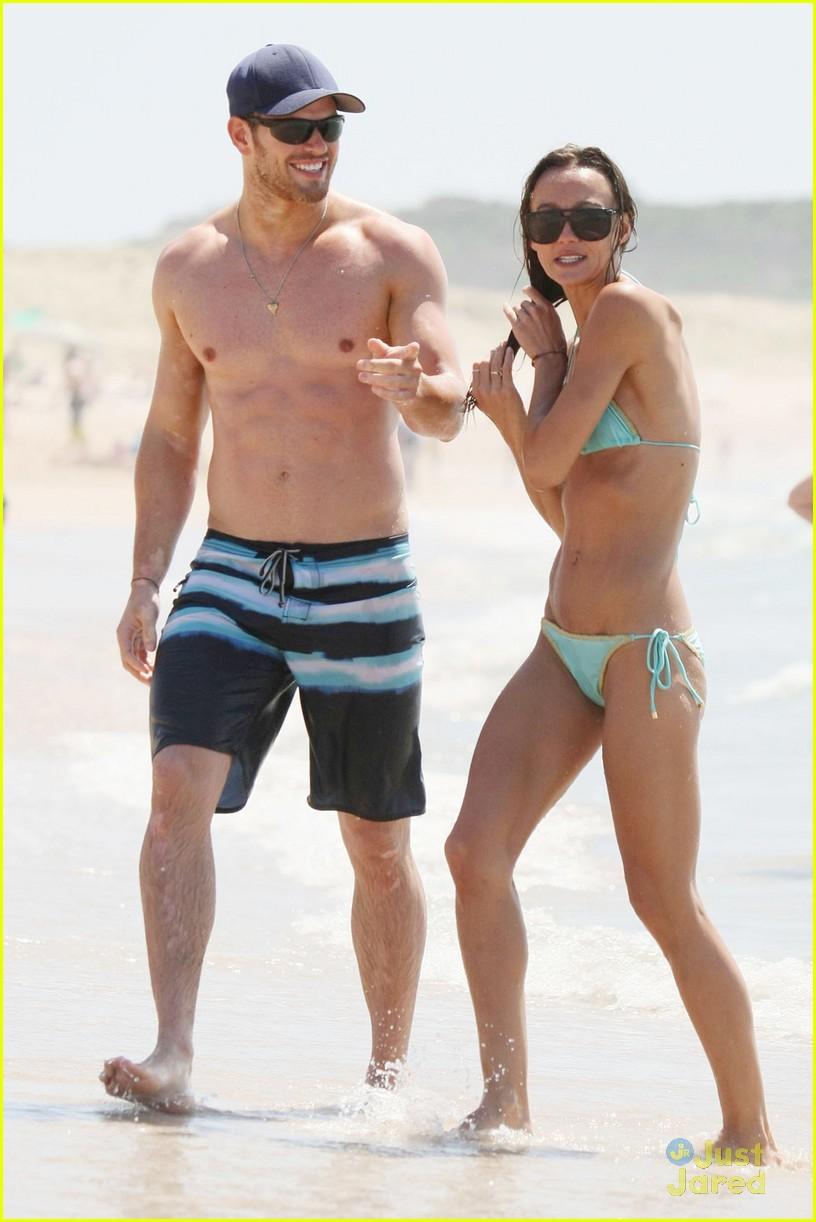 kellan lutz shirtless beach day with sharni vinson 05