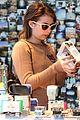 emma roberts camera shopping 31
