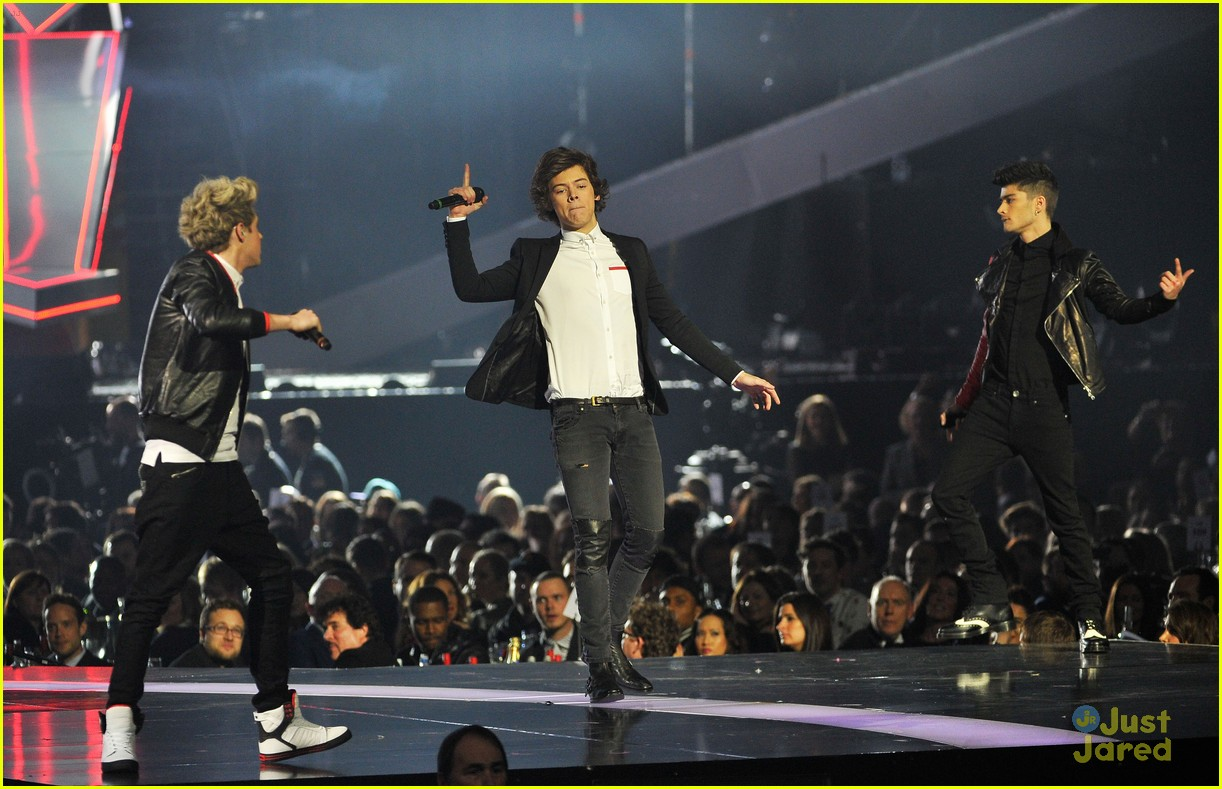 one direction brit awards performance 11
