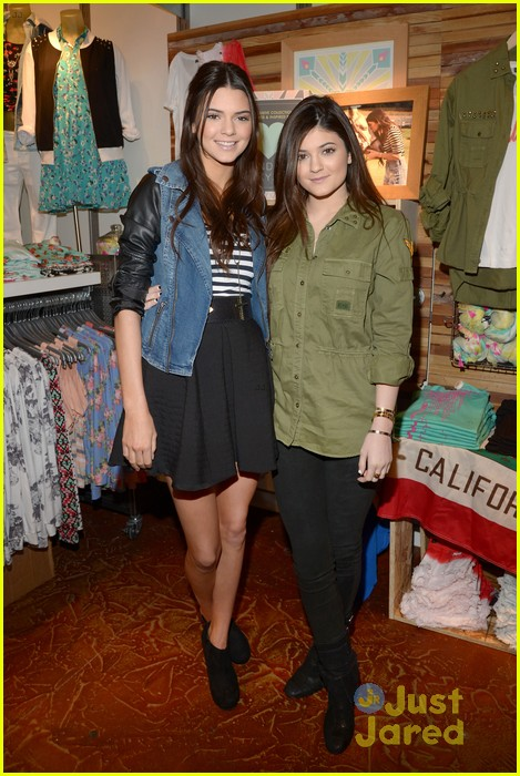 kendall kylie jenner pacsun line debut 23