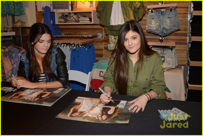 kendall kylie jenner pacsun line debut 40