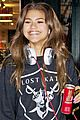 zendaya candy shopping cutie 02
