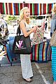 peyton list mothers day fun on melrose 02