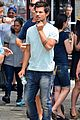 taylor lautner roughed up tracers 02