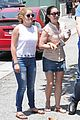 ariel winter farmily fun at the farmers market 02
