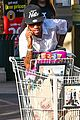 kylie jenner food shopping with friends 07