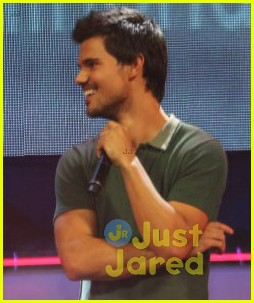 taylor lautner im still close with my twlight cast mates 05