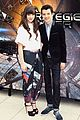hailee steinfeld asa butterfield enders game in paris 13
