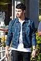 joe jonas lemonade cafe lunch 06