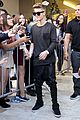 justin bieber previews one life whats hatnin swap it out 07