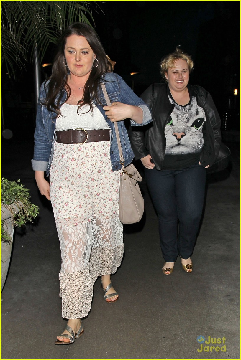 38ff62912d71a Rebel Wilson Wears Cute Cat Tee for Movie Night Out. rebel wilson cat tee  movies 12