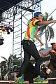 austin mahone flashes abs sunfest 08