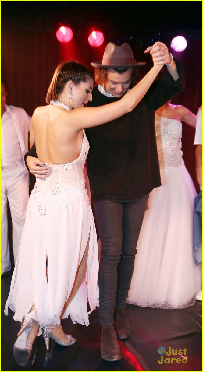 Full Sized Photo Of Harry Styles Liam Payne Tango Dance With Beautiful Ladies 14 Harry Styles Liam Payne Show Off Their Best Tango Moves See The Pics Just Jared Jr