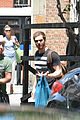 andrew garfield confronts paparazzi on stroll with emma stone 06