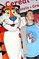 derek hough dances kelloggs recharge bar 15