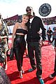 miley cyrus bares midriff at mtv vmas 2014 09