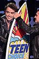 josh hutcherson wins sci fi actor tcas 05