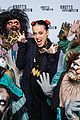katy perry dyes her hair red see the pics 06