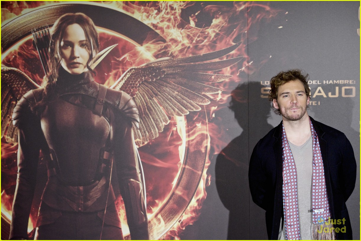 sam claflin opens up on giving up soccer dream 08