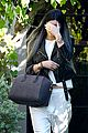 kendall jenner closes out 19th birthday at grocery store 04