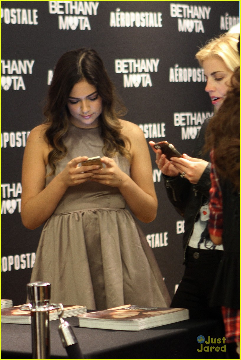 Bethany mota doesnt want to be a tv star heres why photo bethany mota doesnt want to be a tv star heres why photo 751910 photo gallery just jared jr m4hsunfo