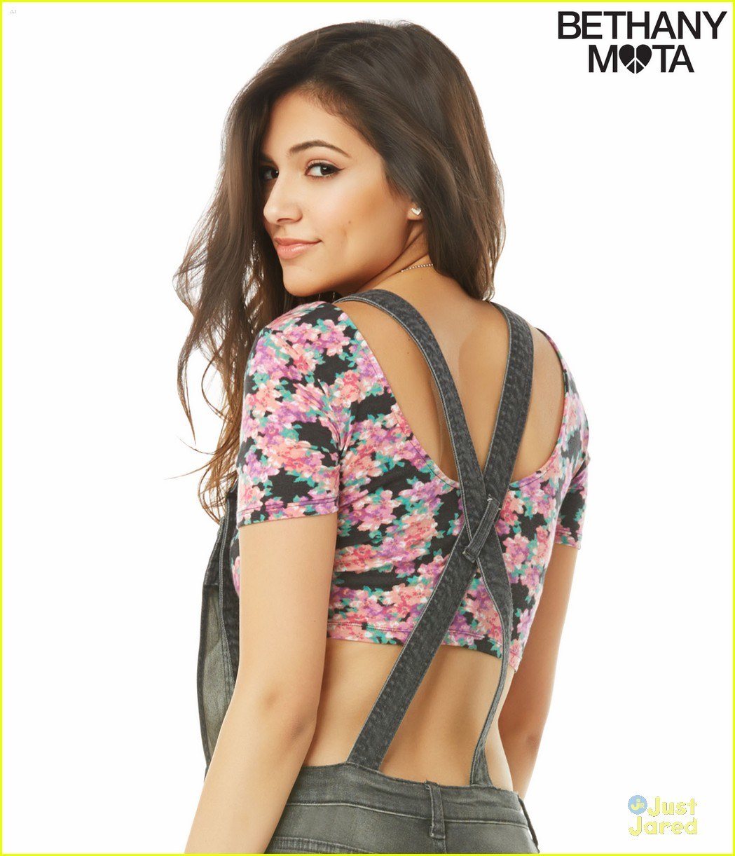 Bethany Mota Debuts Aeropostale Spring Collection Ahead Of