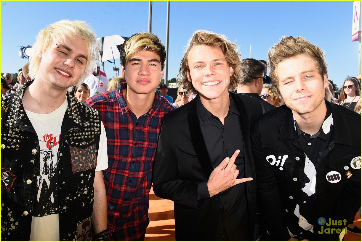 5 seconds of summer heat up the kcas 2015 photo 792682 photo 5 seconds of summer heat up the kcas 2015 photo 792682 photo gallery just jared jr m4hsunfo