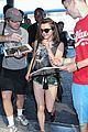 sophie turner maisie williams leave lax airport 22