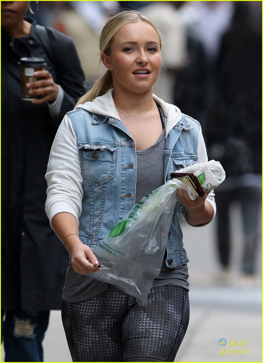 hayden panettiere reveals the nice thing a crew member did 04