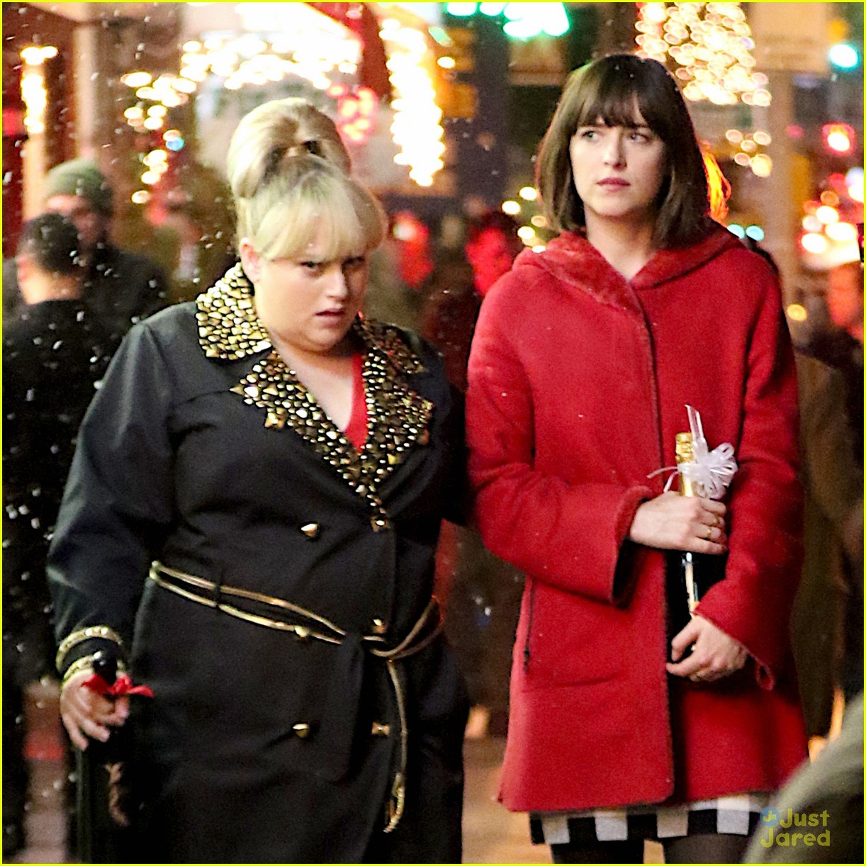 Full sized photo of rebel wilson dakota johnson hold hands how to be rebel wilson dakota johnson hold hands for how to be single scenes ccuart Choice Image