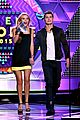 bella thorne gregg sulkin kiss goals teen choice awards 04