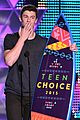shawn mendes wins 2015 teen choice awards 02
