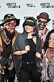 selena gomez bailee madison birthday knotts scary farm 01