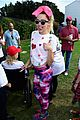 miley cyrus is charitable queen at l a county walk to defeat als 08