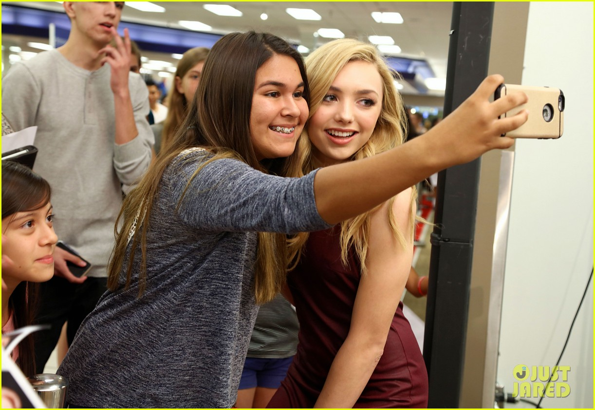 Full sized photo of peyton list bongo jeans meet greet sears 24 peyton list bongo jeans meet greet sears 24 m4hsunfo