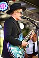 cody simpson emirates stakes day melbourne 06