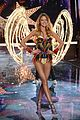 martha hunt stella maxwell victorias secret fashion show 2015 03