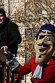 shawn mendes sofia carson thanksgiving day parade 19